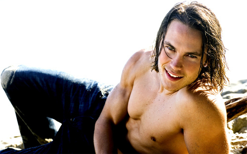 Tim-Riggins-tim-riggins-26266716-500-313